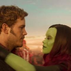 Gamora bailando con Quill.