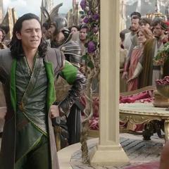 Loki revela su engaño ante los Asgardianos.