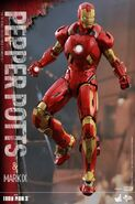 Iron Man Mark IX and Pepper Hot Toys 11