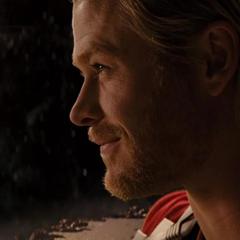 Thor sonríe ante la posibilidad de volver con Foster.