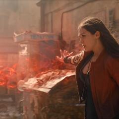 Wanda sale para luchar tras ser orientada por Barton.