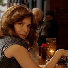 Janet espía a Starr en Buenos Aires.