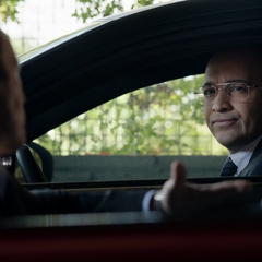 Sitwell le pregunta a Coulson por Tahití.