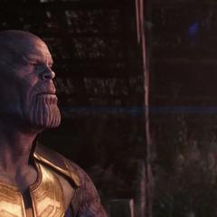 Thanos mira el amanecer de un universo agradecido.