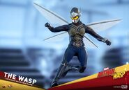 Hot-Toys-The-Wasp-Collectible-Figure-Ant-Man-and-The-Wasp-10