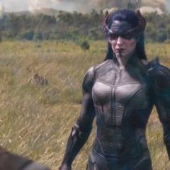 Midnight se reencuentra con Rogers y Romanoff en Wakanda.