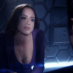 Skye decide interrogar a Ward.