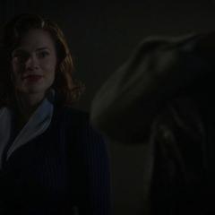Carter se reune con Stark después del conflicto.