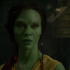 Gamora llega a un acuerdo con los demás para escapar.