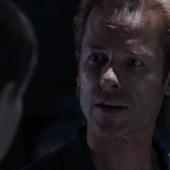 Killian le explica a Ellis que planea ejecutarlo.