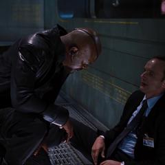 Fury lamenta la muerte de Coulson.