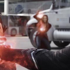 Barnes es salvado por Maximoff de ser asesinado por T'Challa.