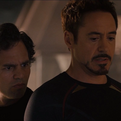 Banner descubre que Ultrón asesinó a Strucker.
