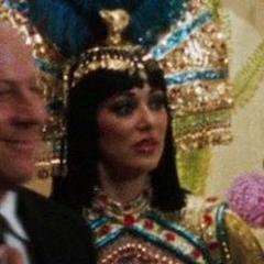 Actriz desconocida como Ayudante del Empleado de Caesars Palace