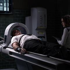 Skye siguiendo el plan de Coulson.