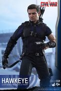 Hawkeye Civil War Hot Toys 12