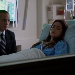 Skye es hospitalizada de emergencia.