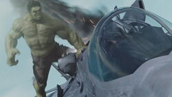 Hulk-Avengers-Jet