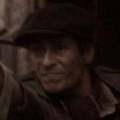 Vincent Montuel como Vago cubriéndose #2