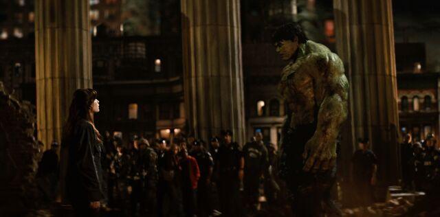 File:Hulk and Betty after battle.jpg