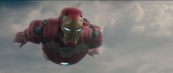 IronMan-FlyingOverSokovia