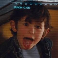 Actor desconocido como Niño en la rueda