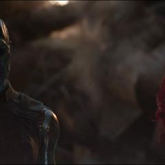 Nebula habla con Gamora sobre Quill.