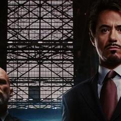 Stark y Stane trabajando por sacar adelante Industrias Stark.