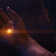 Thanos obtiene la Gema del Alma.