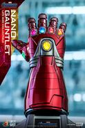Nano Gauntlet Hot Toys 3