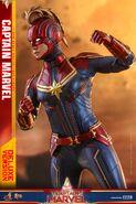 Captain Marvel Hot Toys 15