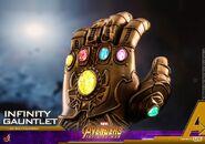Infinity Gauntlet HT 1