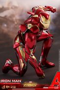 Iron Man IW Hot Toys 15