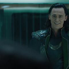 Loki confronta a Fury.