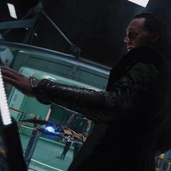 Loki a punto de expulsar a Thor de la nave.