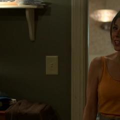 Maybelle llega a la habitación de Peter.
