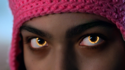 Molly's eyes - Runaways1x10