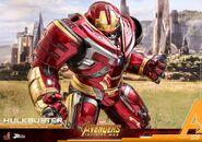Hulkbuster Infinity War Hot Toys 10