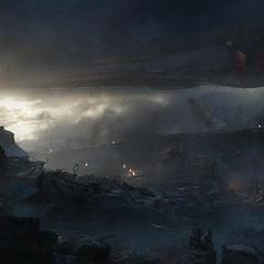 Thanos esperando a Nebula en las ruinas del Centro de los Nuevos Vengadores.