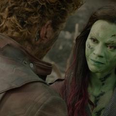 Gamora le da un consejo a Quill.