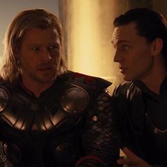 Loki manipula a Thor para ir a Jotunheim.