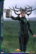 Marvel-thor-ragnarok-hela-sixth-scale-hot-toys-903107-08