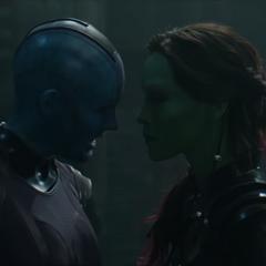 Gamora es confrontada por Nebula antes de partir a Xandar.
