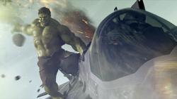 Hulk sobre el Quinjet