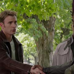 Fury se despide de Rogers y Wilson.