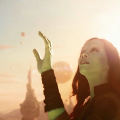 Gamora explora el Planeta de Ego.