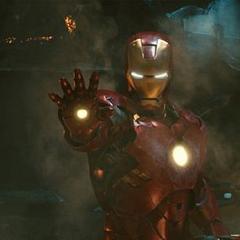 Stark luchando contra los Hammer Droides.