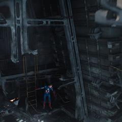 Rogers explora el Helicarrier dañado.