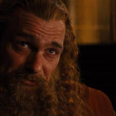 Volstagg intenta razonar con Loki.
