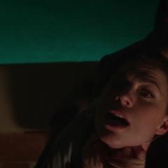 Carter es atacada durante su entrenamiento.